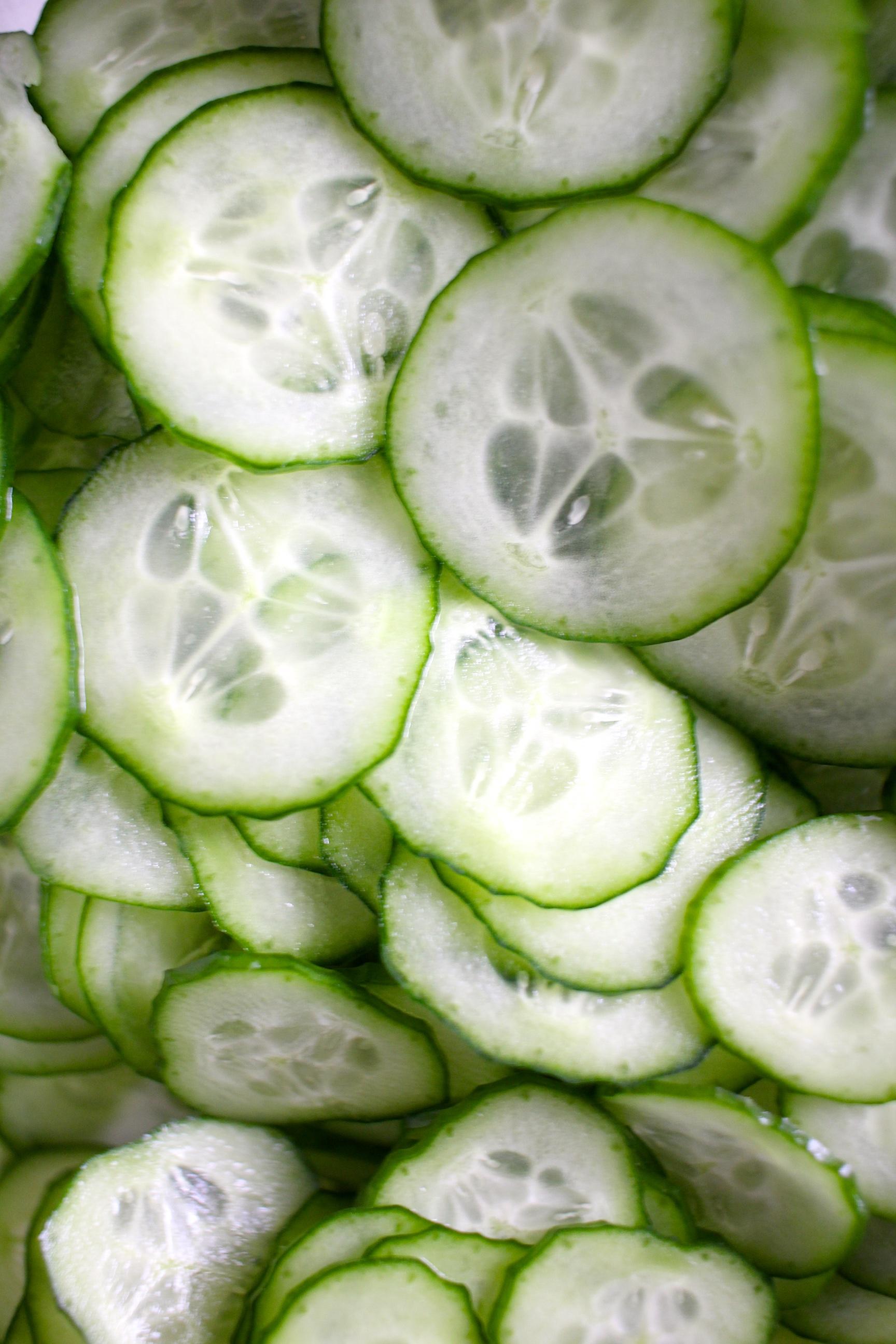 cucumber wakame salad