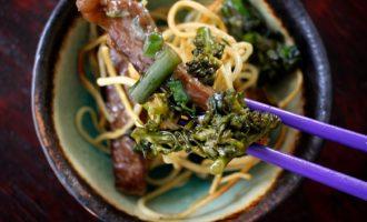 Beef & Broccoli Pan-Friend Noodles